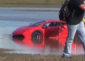 2000-hp-lamborghini-gallardo-crashes-into-a-lake
