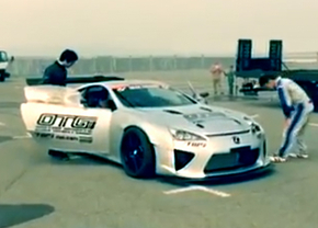lexus-lfa-nascarengine_01