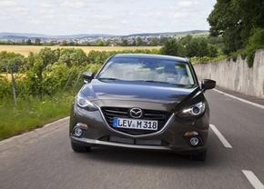 new-2014-mazda3-sedan-31
