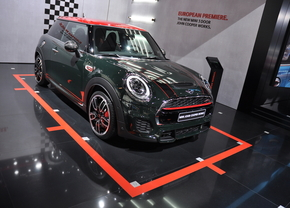 mini-cooper-jcw-autosalon-brussel_02