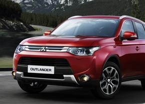 Mitsubishi-Outlander-Facelift-2014