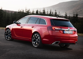 Officieel-Opel-Insignia-OPC-2013