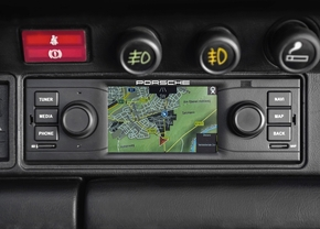 porsche-classic-is-offering-navigation-radio-for-classic-porsches-911_2