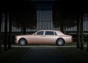 rolls-royce-phantom-ewb-pink-03