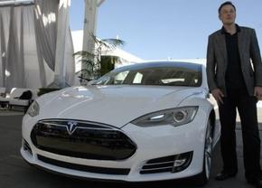 """""""Noem het geen recall"""" - Tesla moet adaptors vervangen in Model S"""