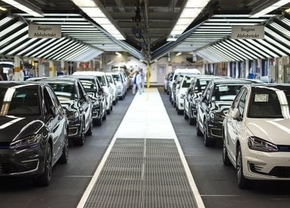 vw-golf-production-line