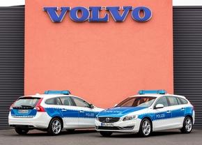 2014-volvo-v60-plug-in-hybrid-for-bundes-polizei