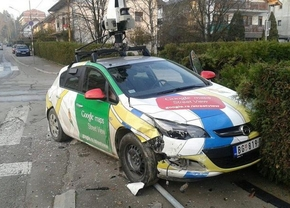 google-streetview-crash_01
