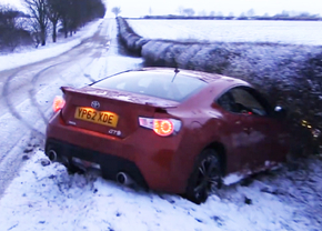 gt86-snow-driftcrash