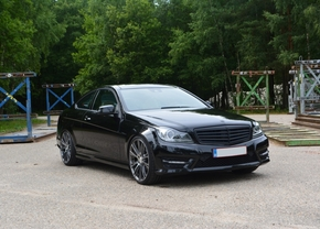 vrijdag-fandag-Mercedes-C250