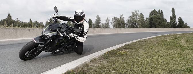 Rijtest-Kawasaki-Z900-Motofans