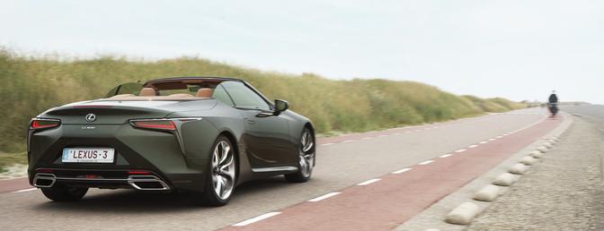 Lexus LC 500 Cabrio rijtest 2021