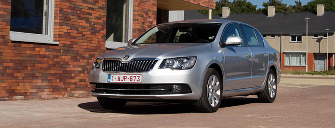 skoda-superb-facelift_2013_berline-rijtest